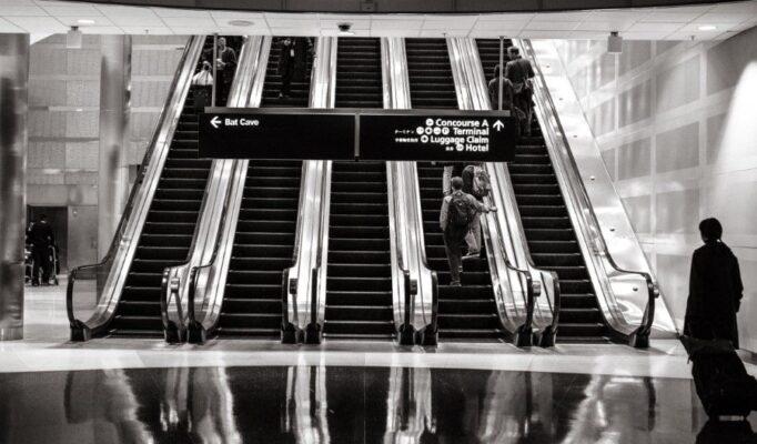 gratisography-black-white-escalators-thumbnail