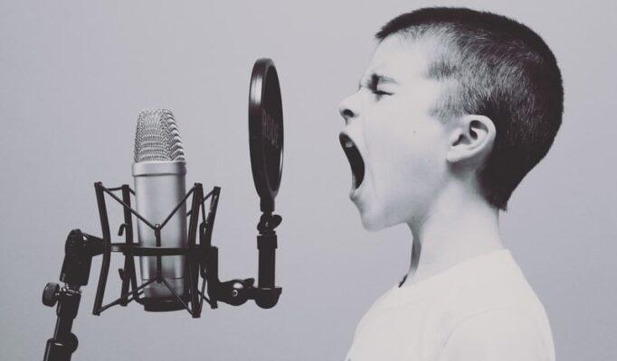 music-black-and-white-white-boy-kid-male-595225-pxhere.com